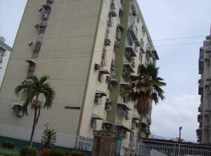 Apartamento En Venta En Maracay, Base Aragua, Venezuela, VE RAH: 16-7445
