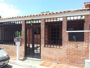 Casa En Venta En Guatire, El Castillejo, Venezuela, VE RAH: 16-7358