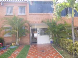 Townhouse En Venta En Guarenas, Terraza I Buenaventura, Venezuela, VE RAH: 16-7370