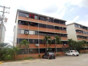Apartamento En Venta En Guarenas, Ciudad Casarapa, Venezuela, VE RAH: 16-7482