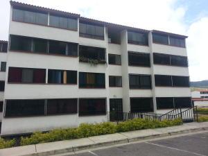 Apartamento En Venta En Los Teques, Municipio Guaicaipuro, Venezuela, VE RAH: 16-7400