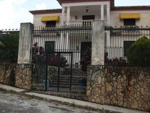 Casa En Venta En Carrizal, Colinas De Carrizal, Venezuela, VE RAH: 16-7443