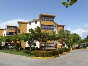 Apartamento En Venta En Higuerote, Higuerote, Venezuela, VE RAH: 16-7410