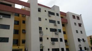 Apartamento En Venta En Municipio Los Guayos, Paraparal, Venezuela, VE RAH: 16-7420