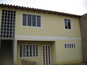 Apartamento En Venta En Maracay, La Morita, Venezuela, VE RAH: 16-7478