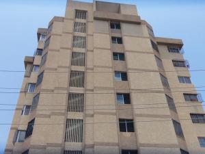 Apartamento En Venta En Maracaibo, Valle Frio, Venezuela, VE RAH: 16-7613