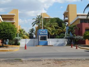 Apartamento En Venta En Lecheria, Av Americo Vespucio, Venezuela, VE RAH: 16-7501