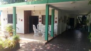 Casa En Venta En Maracaibo, San Miguel, Venezuela, VE RAH: 16-7517