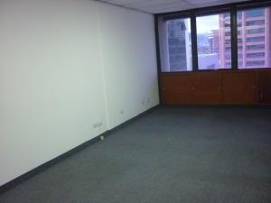 Oficina En Alquiler En Caracas - El Rosal Código FLEX: 16-7561 No.13