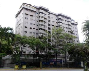 Apartamento En Venta En Caracas, El Rosal, Venezuela, VE RAH: 16-7909