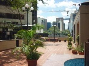 Oficina En Alquiler En Caracas - El Rosal Código FLEX: 16-7565 No.3