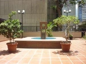 Oficina En Alquiler En Caracas - El Rosal Código FLEX: 16-7565 No.5