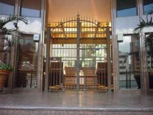 Oficina En Alquiler En Caracas - El Rosal Código FLEX: 16-7567 No.1