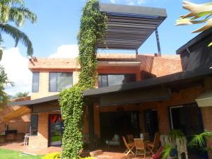 Casa En Venta En Caracas, Lomas De Chuao, Venezuela, VE RAH: 16-7568