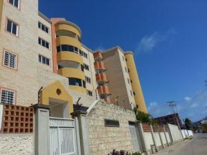 Apartamento En Venta En Chichiriviche, Playa Sur, Venezuela, VE RAH: 16-7641