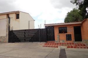 Townhouse En Venta En Municipio Naguanagua, El Rincon, Venezuela, VE RAH: 16-8383