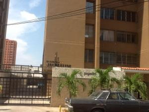 Apartamento En Venta En Maracaibo, Cecilio Acosta, Venezuela, VE RAH: 16-7698