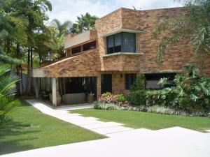 Casa En Venta En Valencia, Guataparo Country Club, Venezuela, VE RAH: 16-7730