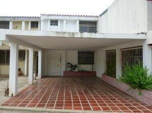 Townhouse En Venta En Ciudad Ojeda, Barrio Libertad, Venezuela, VE RAH: 16-7685