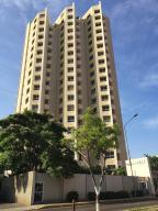 Apartamento En Venta En Maracaibo, Avenida Bella Vista, Venezuela, VE RAH: 16-7745
