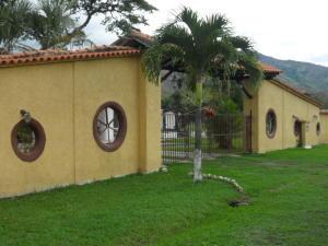 Casa En Venta En Municipio Montalban, La Segundera, Venezuela, VE RAH: 16-7822