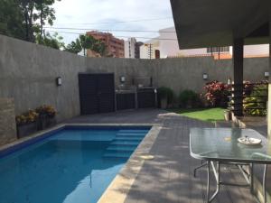 Casa En Venta En Maracaibo, Creole, Venezuela, VE RAH: 16-7856