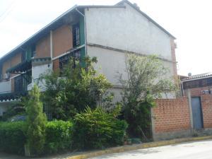 Townhouse En Venta En Guarenas, Nueva Casarapa, Venezuela, VE RAH: 16-7866