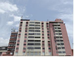 Apartamento En Venta En Caracas, Parroquia Santa Rosalia, Venezuela, VE RAH: 16-8071