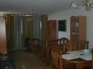 Apartamento En Venta En Maracaibo, Circunvalacion Dos, Venezuela, VE RAH: 16-7930