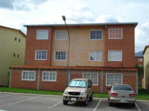 Apartamento En Venta En Guatire, Alto Grande, Venezuela, VE RAH: 16-7938