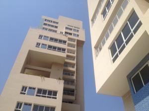 Apartamento En Venta En Maracaibo, Avenida Bella Vista, Venezuela, VE RAH: 16-8440