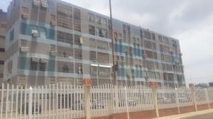 Apartamento En Venta En Maracaibo, Circunvalacion Uno, Venezuela, VE RAH: 16-7957