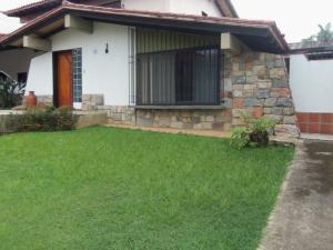 Casa En Venta En Valencia, Colinas De Guataparo, Venezuela, VE RAH: 16-7967
