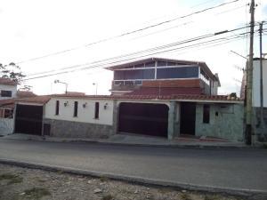 Casa En Venta En San Antonio De Los Altos, El Picacho, Venezuela, VE RAH: 16-7985