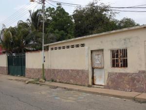 Local Comercial En Venta En Coro, Barrio San Jose, Venezuela, VE RAH: 16-7970