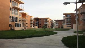 Apartamento En Venta En Guatire, Valle Arriba, Venezuela, VE RAH: 16-7972