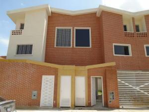 Townhouse En Venta En Municipio Naguanagua, Manantial, Venezuela, VE RAH: 16-11561
