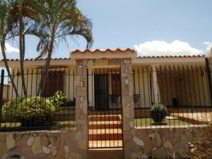 Casa En Venta En Valencia, Trigal Norte, Venezuela, VE RAH: 16-8901