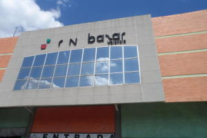 Local Comercial En Venta En Valencia, Centro, Venezuela, VE RAH: 16-8201