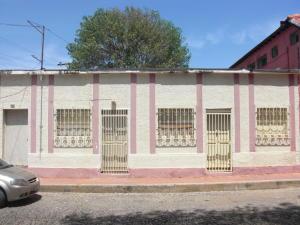 Local Comercial En Venta En Coro, Zona Colonial, Venezuela, VE RAH: 16-8008