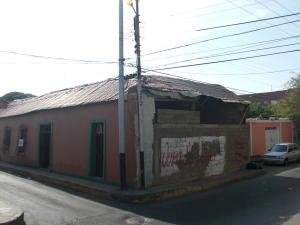 Local Comercial En Venta En Coro, Centro, Venezuela, VE RAH: 16-8011