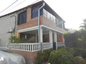 Casa En Venta En Guatire, El Castillejo, Venezuela, VE RAH: 16-8038