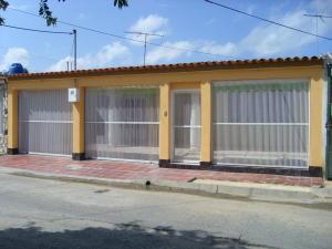 Casa En Venta En Palo Negro, Conjunto Residencial Palo Negro, Venezuela, VE RAH: 16-8048