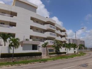 Apartamento En Venta En Higuerote, Puerto Encantado, Venezuela, VE RAH: 16-8058