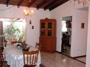 Casa En Ventaen Turmero, La Mantuana, Venezuela, VE RAH: 16-8050