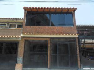 Casa En Venta En Valencia, La Isabelica, Venezuela, VE RAH: 16-8115
