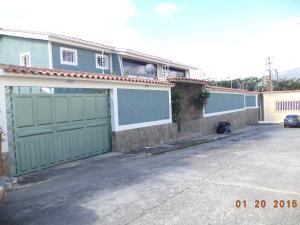 Casa En Venta En Charallave, Santa Rosa De Charallave, Venezuela, VE RAH: 16-8161
