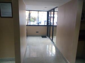 Apartamento En Venta En Caracas - Las Palmas Código FLEX: 16-8178 No.2