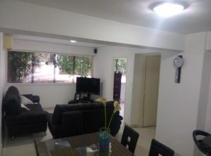 Apartamento En Venta En Caracas - Las Palmas Código FLEX: 16-8178 No.3