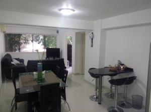Apartamento En Venta En Caracas - Las Palmas Código FLEX: 16-8178 No.5